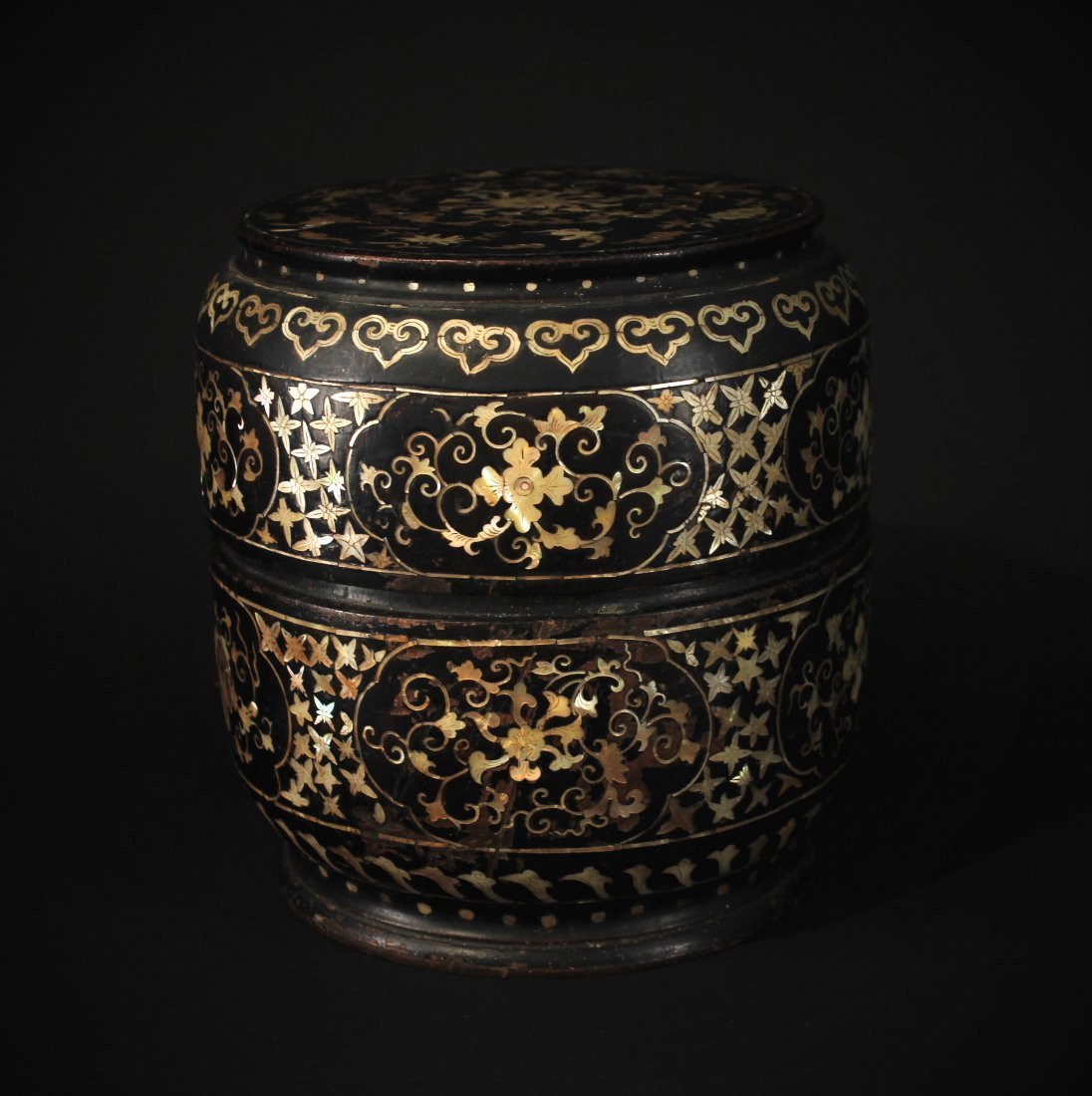 Mother-of-Pearl Inlay Box with Cover Ming Dynasty