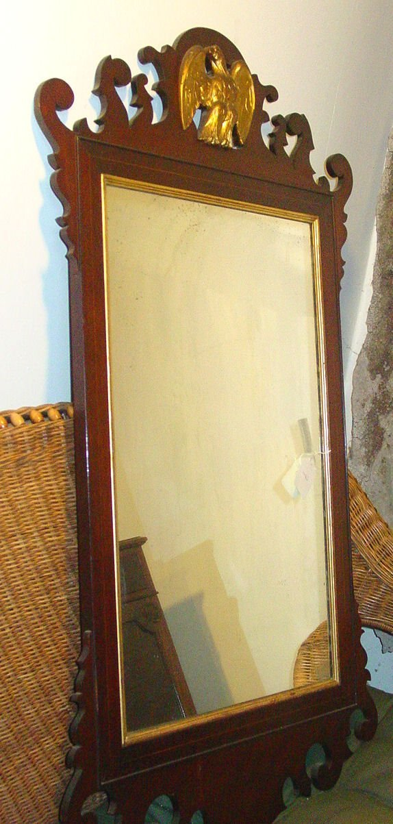 1007: Chippendale style mirror