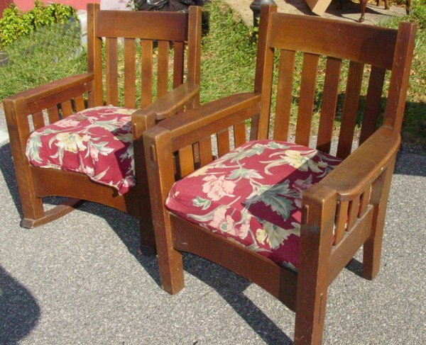 18: Pair Arts & Crafts mission oak chairs