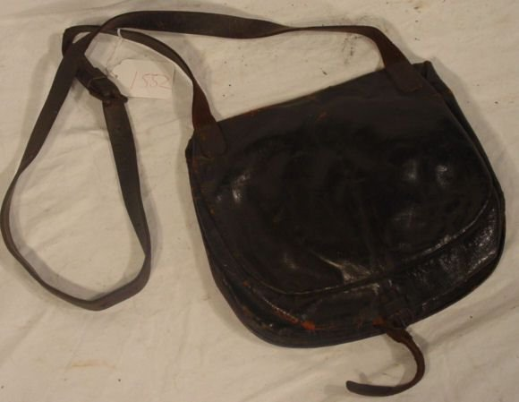 1552: mid 19th c. military field pouch with plate
