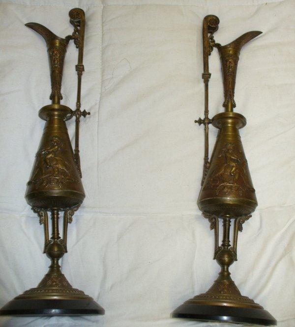 15: Pr. Bronze mantel urns
