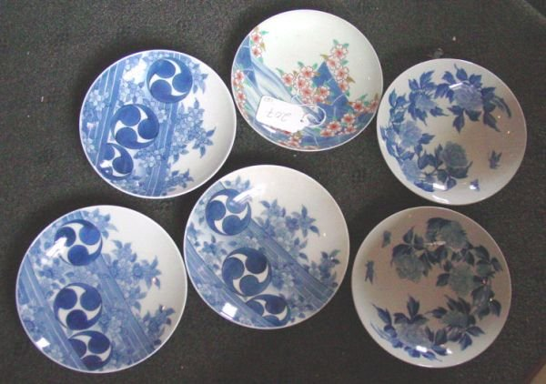 207: 6 Japanese shallow bowls