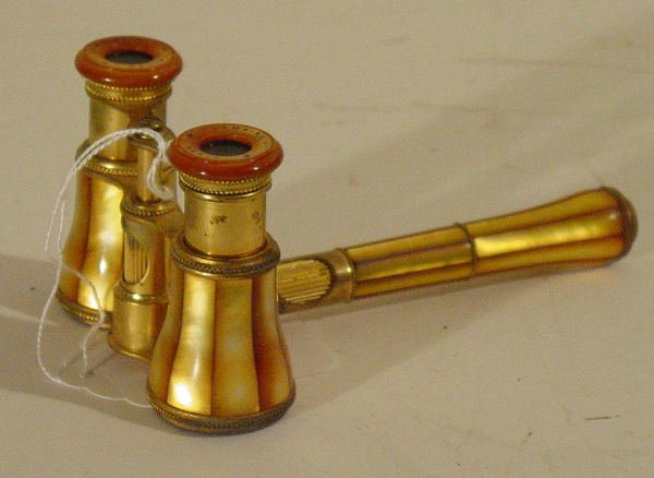 47: mother of pearl opera glasses LeMaire