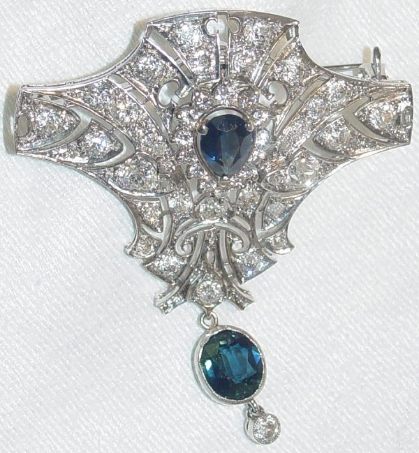 1127: antique sapphire and diamond brooch