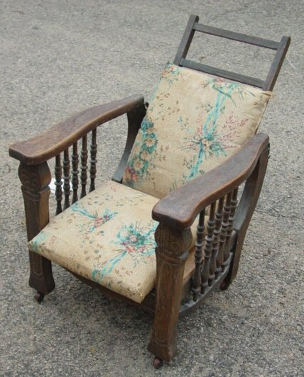 10: Childs Morris chair in oak