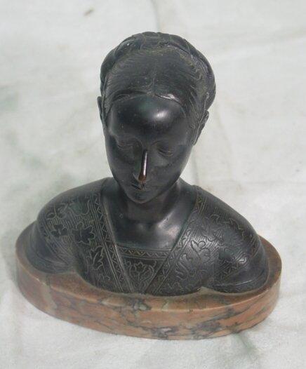1005: bronze bust of Cordelia