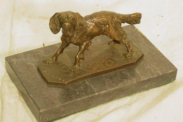 1019: bronze dog figure