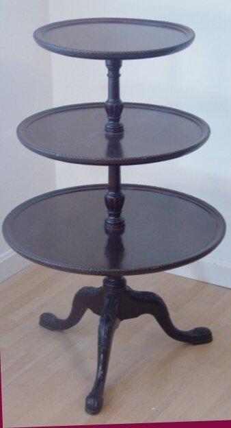 1020: mahogany 3 tiered table
