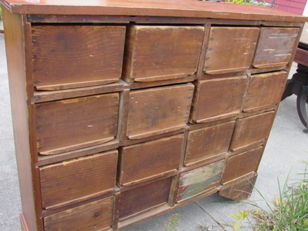 58: antique apothecary chest - 2