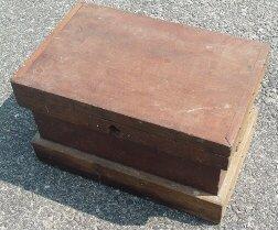 1010: Antique child's carpenters trunk