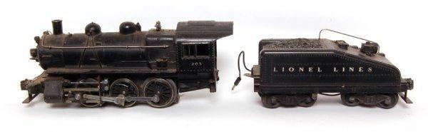 10: Lionel prewar 203 steam engine with 2203T