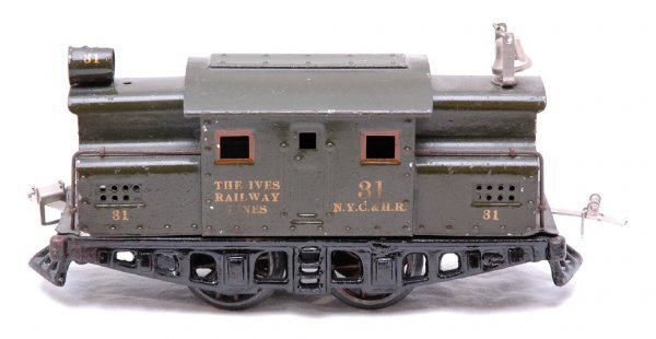2703: Ives 31 Electric Green Windup Loco NYC HR