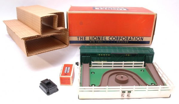 2705: Lionel 3356 Horse Car and Corral Set Boxed