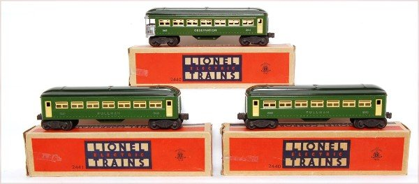 809: Lionel green 2440, 2440 and 2441 cars, OB