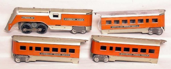 13: American Flyer 561 Minnehaha streamline set
