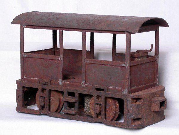 Lionel 2-7/8-inch 100 loco, needs TLC