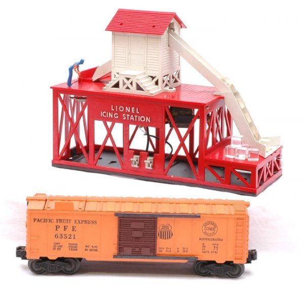 2008: Lionel 352 Icing Station with 6352 PFE Reefer