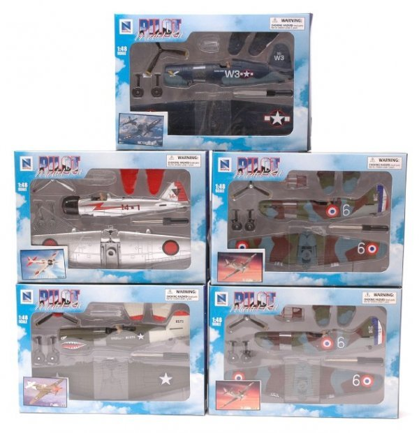 2504: NewRay Pilot Model Kits 14 Planes MINT Boxed - 2