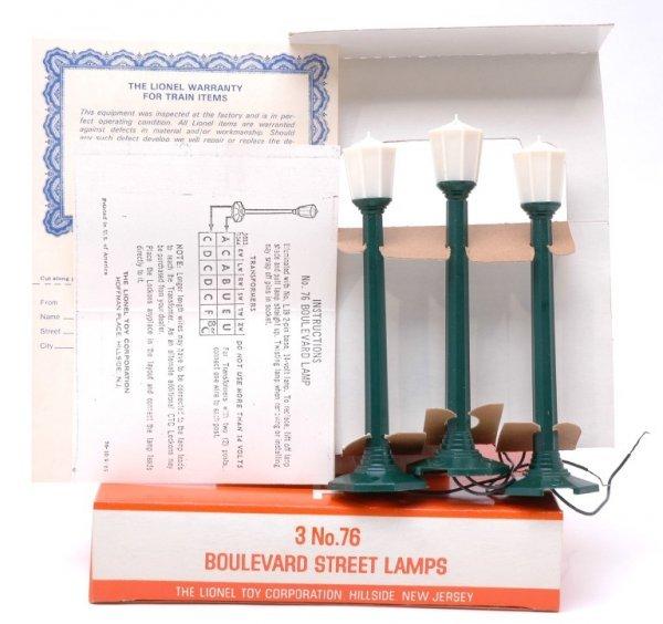 2621: Lionel 76 Street Lamps in Rare Hillside Box MINT