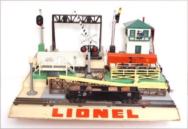 4008: Lionel dealer display base for the D101 display
