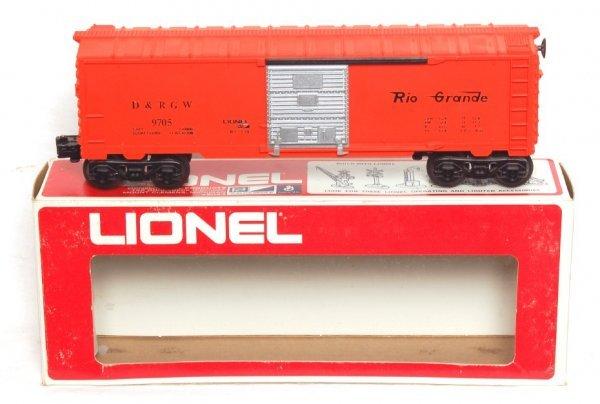 14: Tough Lionel 9705 Rio Grande boxcar, 9200, OB