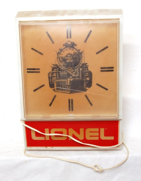 1009: Lionel lighted electrical clock