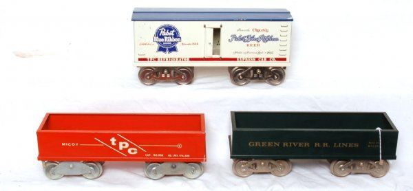 1023: Three McCoy freight cars Pabst, Green River, TPC