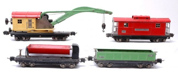 1016: Lionel 2812 2810 3859 and 2817 Freight Cars