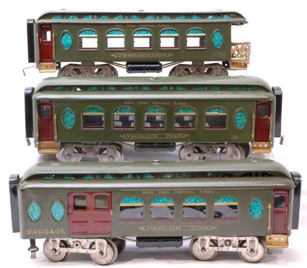 1020: Lionel NYC 19 18 and 190 Passenger Cars