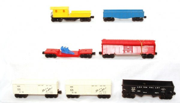 3007: Lionel 6076, 6480, 6014, 3349, 6014 two more cars
