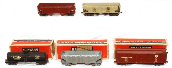 3016: Lionel prewar OO gauge cars and original boxes