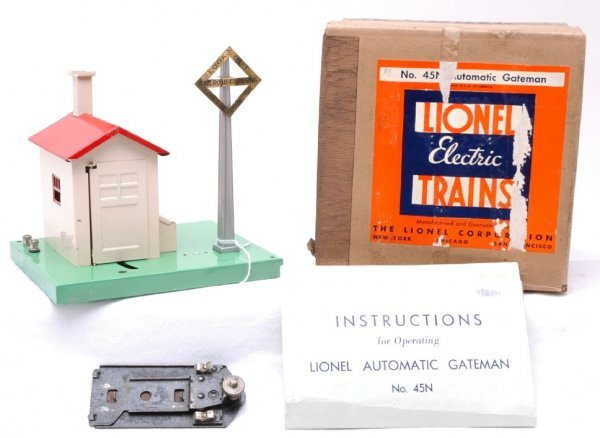 2508: Lionel 45N Automatic Gateman Boxed