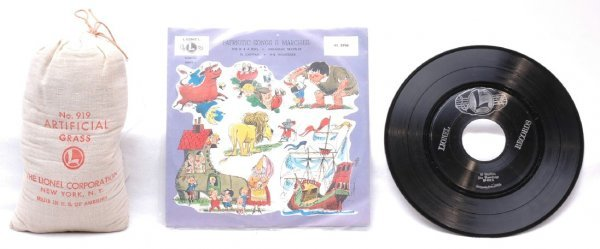 2517: Lionel 919 Art Grass 45 RPM Patriotic Record MINT