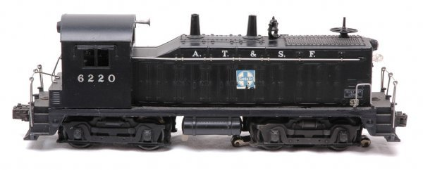 2519: Lionel 6220 AT and SF NW-2 Switcher