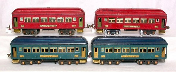2: Lionel   prewar 710 Pullmans, 2 blue and 2 red