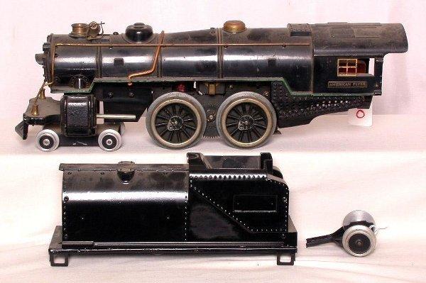 10: American Flyer wide gauge steam engine and tender