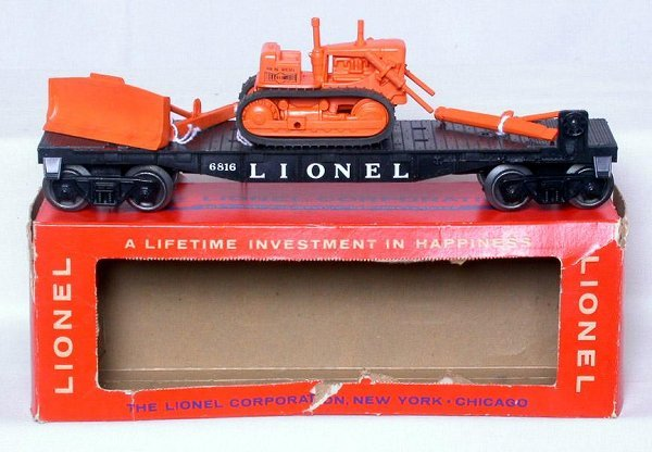 420: Unrun Unusual Lionel black 6816 dozer flat in box