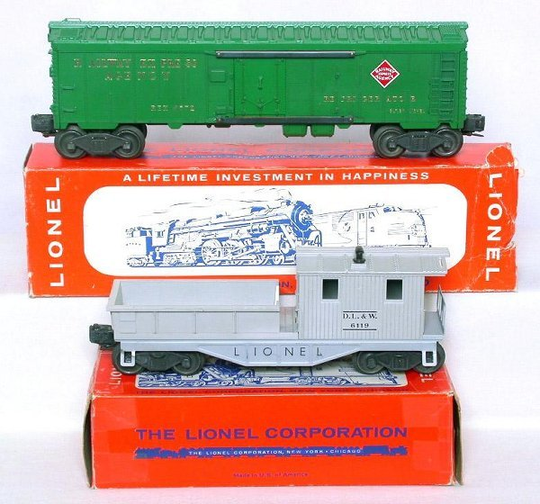 430: Mint Lionel 6119 DLW and 6572 REA in box