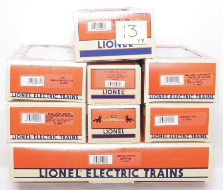 13: Lionel 19247 and seven pieces rolling stock w/OBs