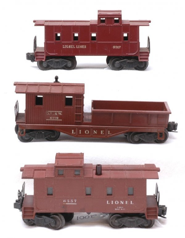 2001: Lionel 6557 Smoking 6457 6017 Cabooses