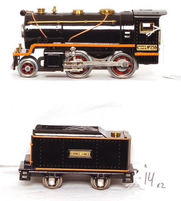 14: Lionel prewar 258 loco with tender