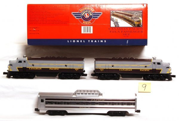 9: Lionel 21759 Canadian Pacific F3 A-A pass. set