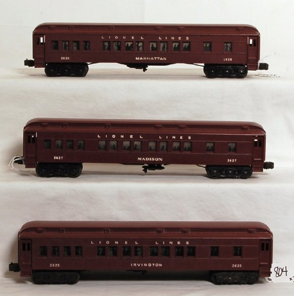804: Lionel 2625, 2627 and 2628 passenger cars