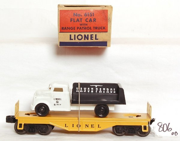 806: Unrun Lionel 6151 flatcar with Range Patrol, OB