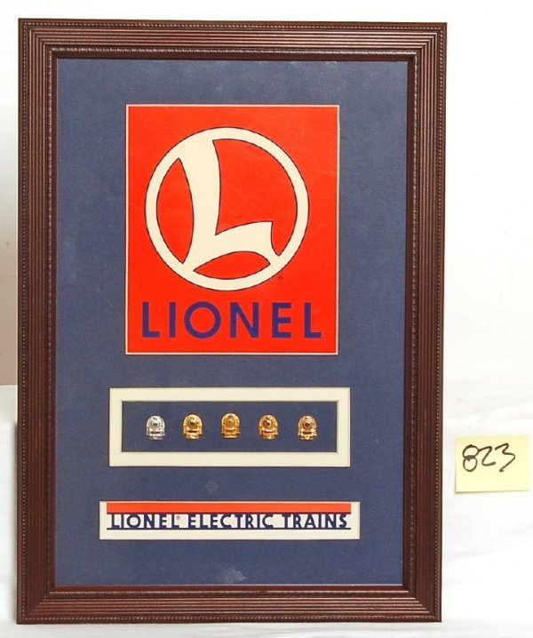 823: Lionel service pin display 5, 10, 15, 20, 25 year