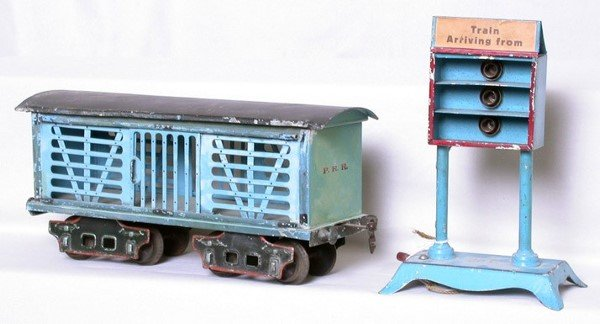 304: Marklin gauge 1 stock car and arrival board
