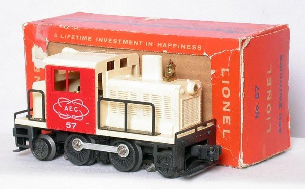 318: Minty Lionel 57 AEC switcher in the box