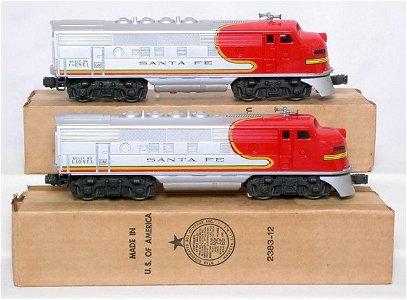 717: Mint Lionel 2526W boxed Santa Fe passenger set