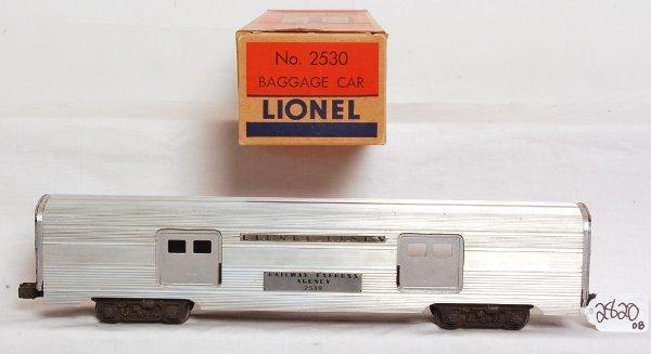 2820: Lionel large door variation 2530 baggage, OB