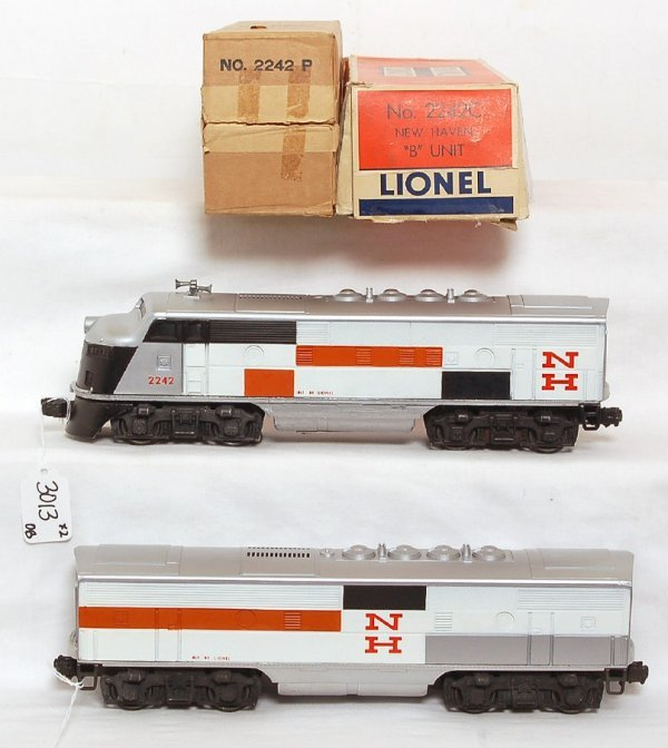 3013: NICE Lionel 2242 New Haven F3 AB units, OB